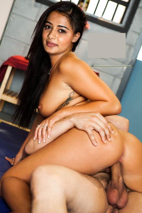 42 South actress Priyamani sex photos