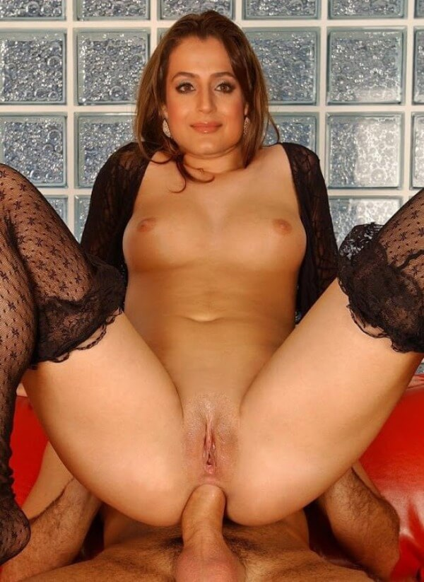 Actress Amisha Patel Nude Photos Big Boobs Open Pics