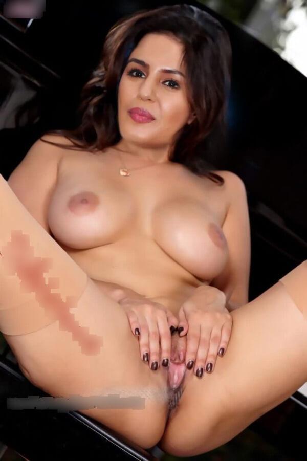 Huma Qureshi nude XXX porn chudai photos