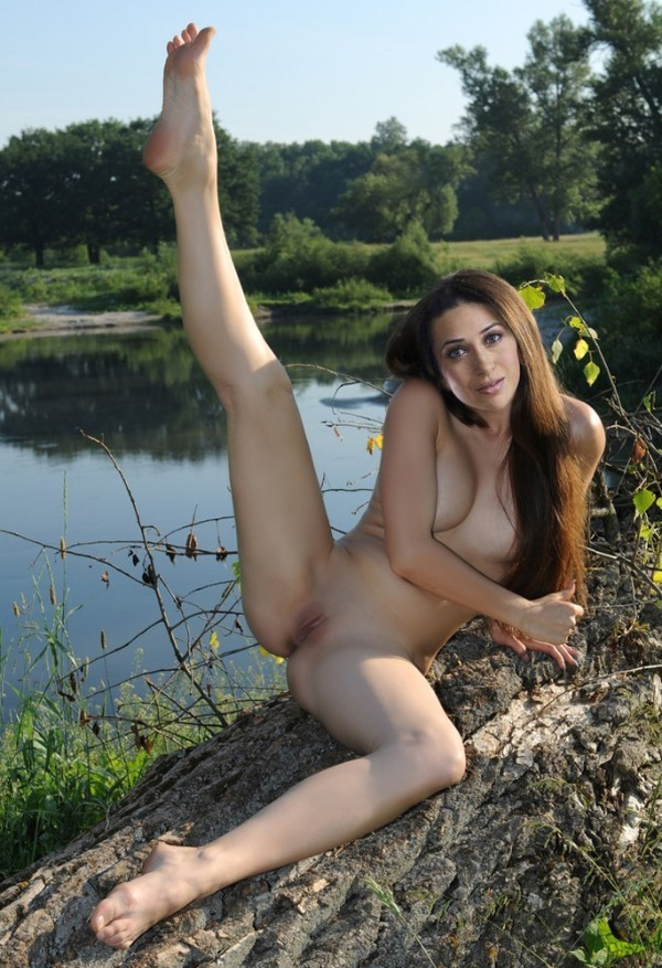 Karishma Kapoor XXX nude sex photos